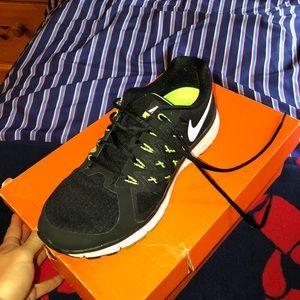 Women's Nike soon vomero 9 sneakers